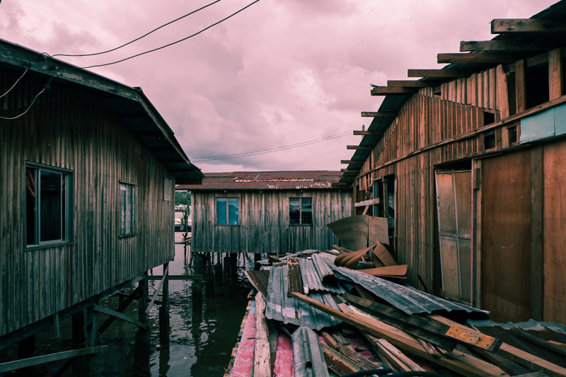 Stilt houses and building materials