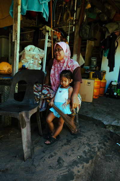 Mother and daughter on Tioman Island