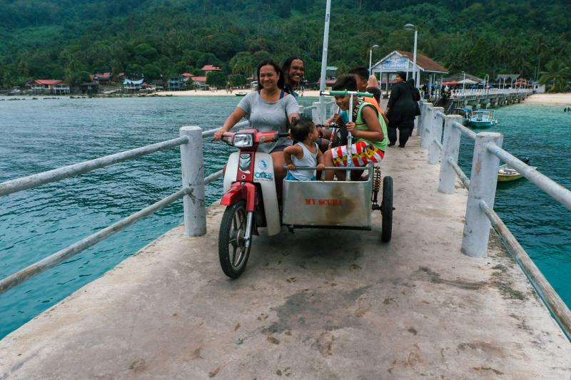 Family transport on Tioman Island