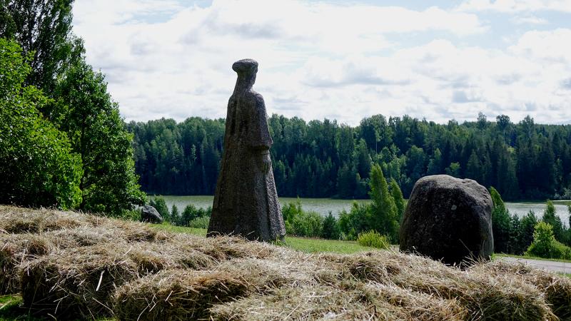 Seto statue in Väska