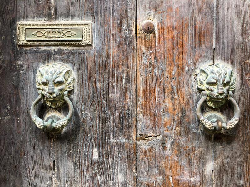 Door knockers in Valletta (Peter Moore)