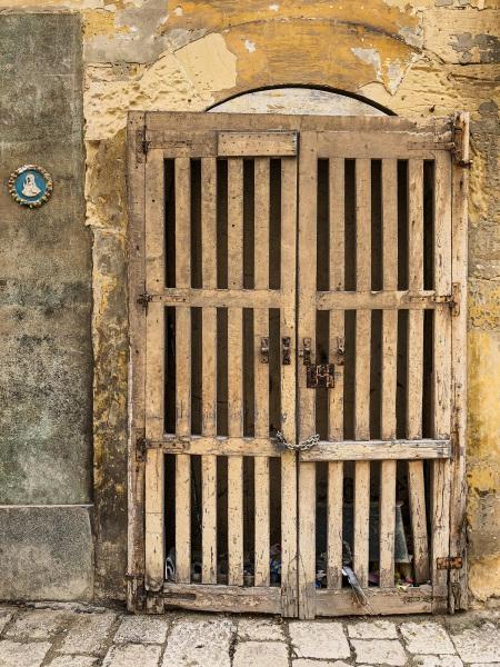 Pallet doorway in Valletta (Peter Moore)