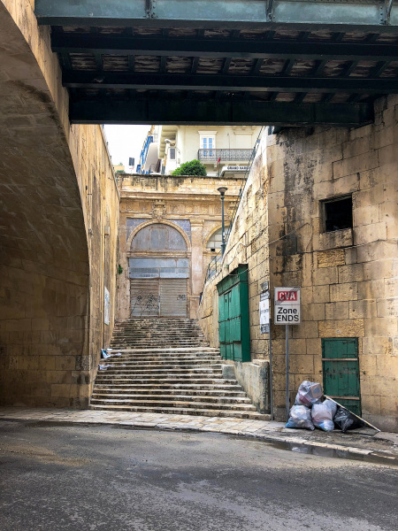 Lane way down near the harbour, Valletta (Peter Moore)